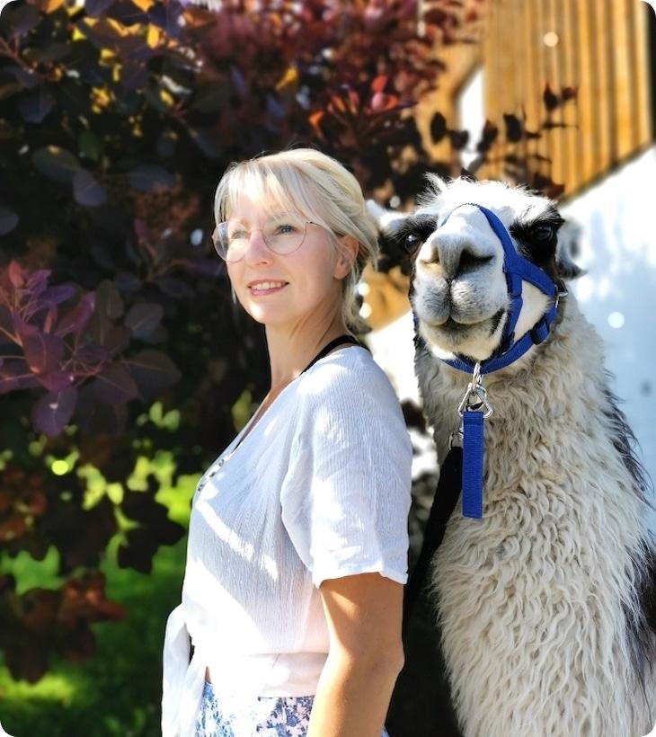 Michaela mit Lama